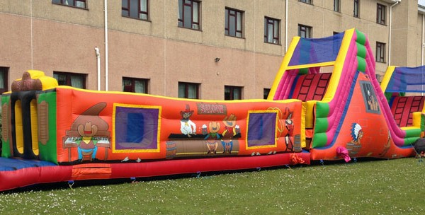 Anglesey Bouncy Castle HIre. Assault course
